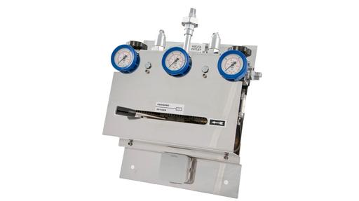 Automatic changeover manifold for technical and process gases